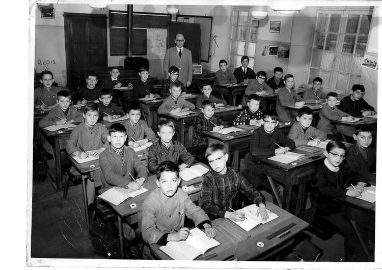 photo de classe cm1 de 1964 ecole primaire bruyeres et montberault copains d 39 avant. Black Bedroom Furniture Sets. Home Design Ideas