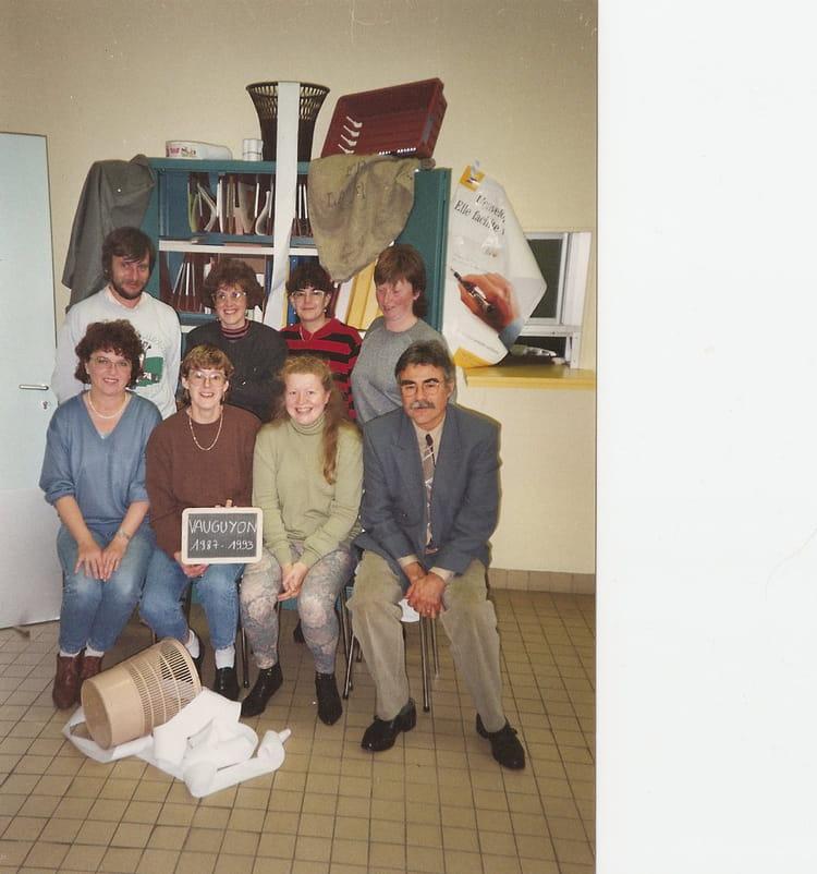 photo de classe la poste le mans vauguyon de 1993 la poste copains d avant