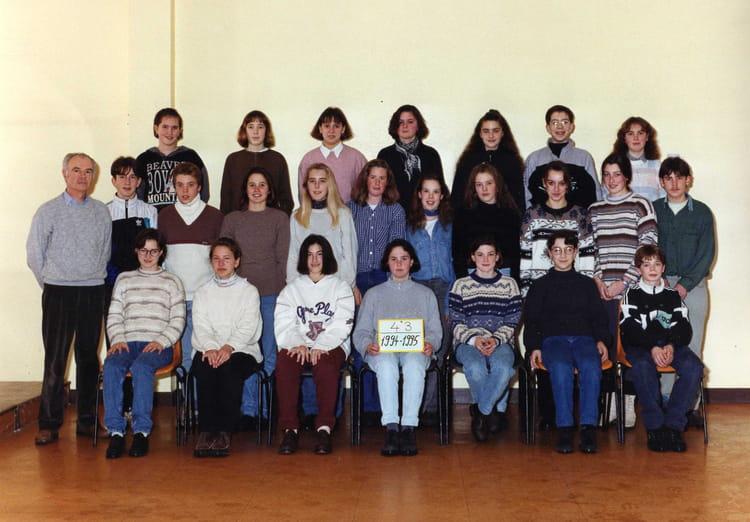 photo de classe 4 me 3 de 1995 coll ge l 39 oiseau blanc copains d 39 avant. Black Bedroom Furniture Sets. Home Design Ideas