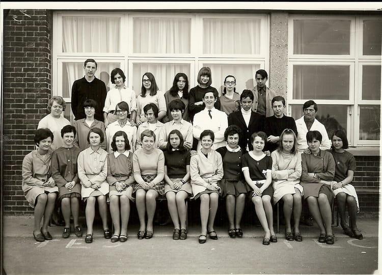photo de classe seconde de 1967 lyc e edouard gand copains d 39 avant. Black Bedroom Furniture Sets. Home Design Ideas