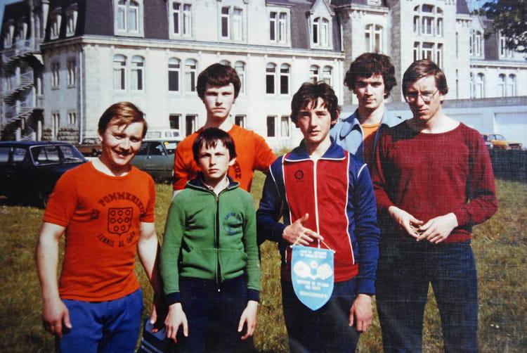 Photo de classe eclair sport pommerieux tennis de table - Ligue de bretagne de tennis de table ...