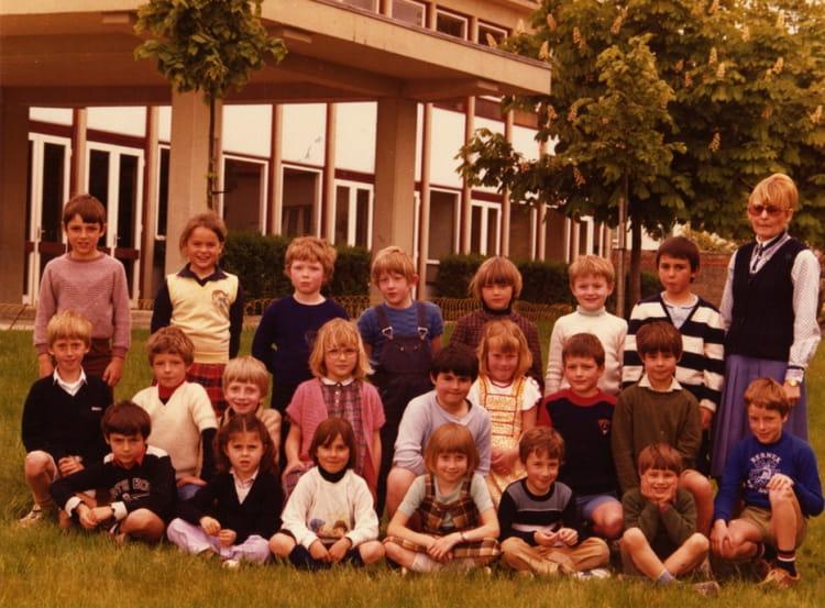 photo de classe cp ce1 de 1980 ecole jacques prevert saint brice courcelles copains d 39 avant. Black Bedroom Furniture Sets. Home Design Ideas