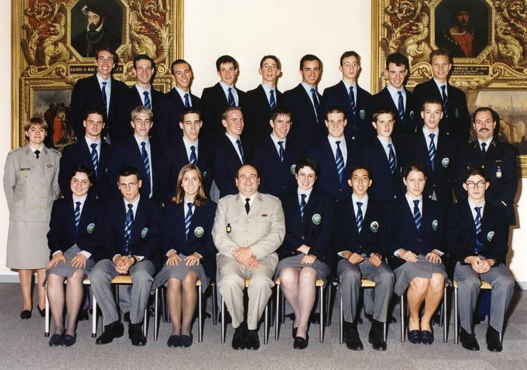 Photo de classe terminale s2 de 2000 lyc e militaire de for Ecole militaire salon de provence