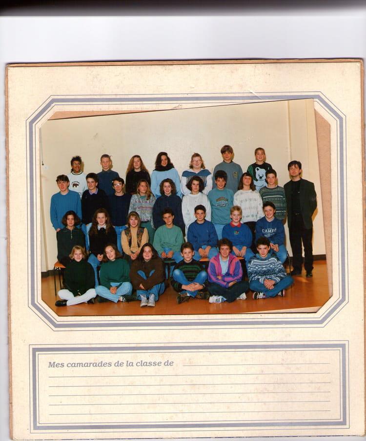 photo de classe 4e1 de 1993 coll ge l 39 oiseau blanc copains d 39 avant. Black Bedroom Furniture Sets. Home Design Ideas