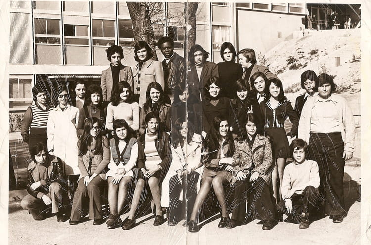 photo de classe 4 eme de 1971 college henri barnier copains d 39 avant. Black Bedroom Furniture Sets. Home Design Ideas