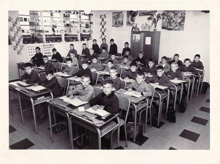Photo de classe cm1 ou cm2 de 1967 ecole vancauwenberghe - Cabinet radiologie saint pol sur mer ...