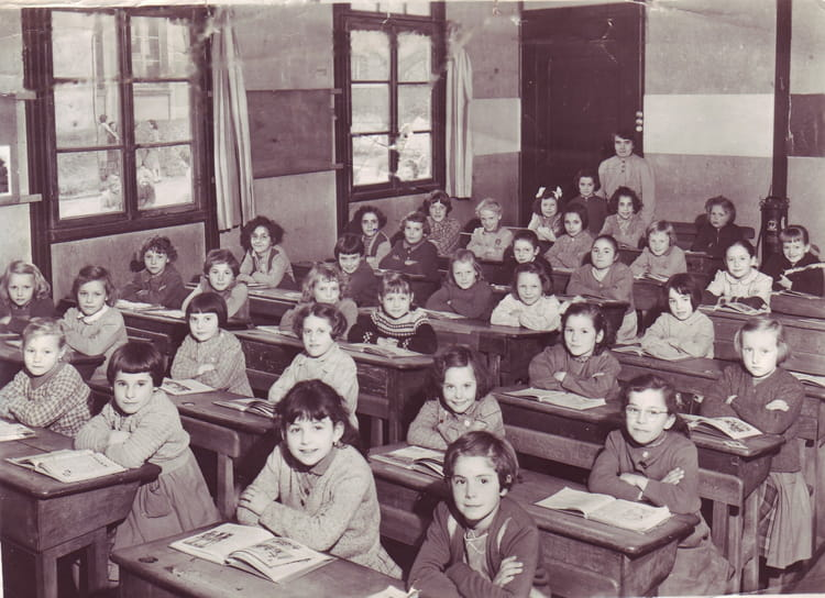 photo de classe cole des filles furmanek de 1957 ancienne ecole communal de fille copains. Black Bedroom Furniture Sets. Home Design Ideas