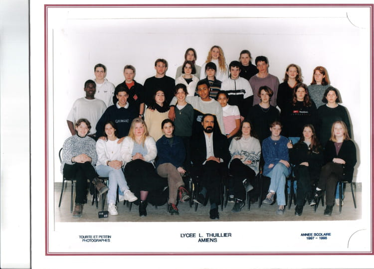 photo de classe 1 re es de 1998 lyc e louis thuillier copains d 39 avant. Black Bedroom Furniture Sets. Home Design Ideas