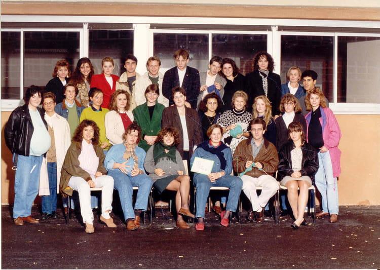 photo de classe bts commerce international de 1989 lyc e edouard gand copains d 39 avant. Black Bedroom Furniture Sets. Home Design Ideas