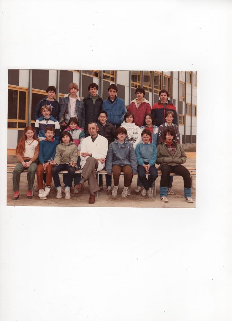 photo de classe 5 me 2 de 1983 coll ge anatole france copains d 39 avant. Black Bedroom Furniture Sets. Home Design Ideas