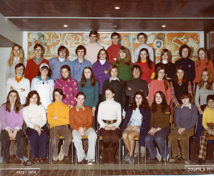 photo de classe 3 au coll ge mozart bois d 39 arcy de 1973 coll ge mozart copains d 39 avant. Black Bedroom Furniture Sets. Home Design Ideas