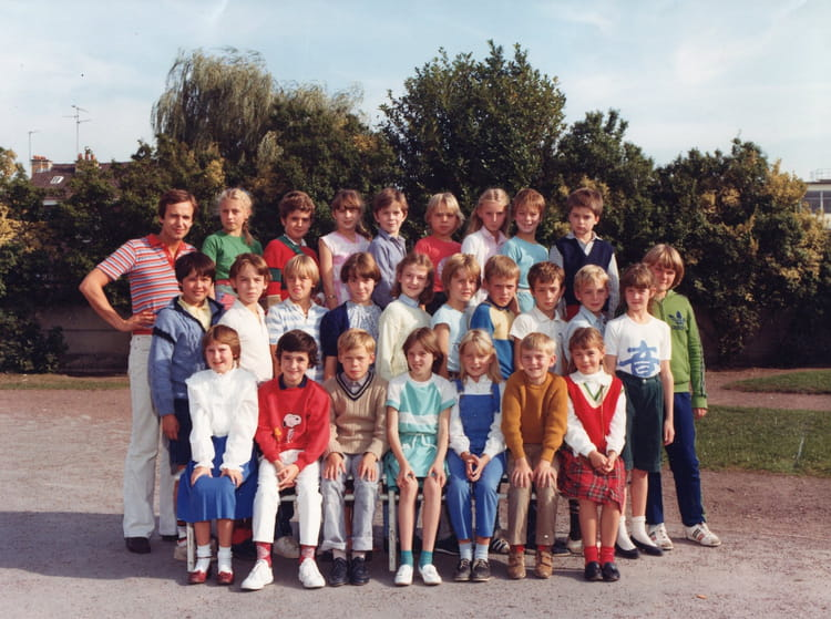 Photo de classe monsieur dubois de 1984 ecole albert for Albert samain la cuisine