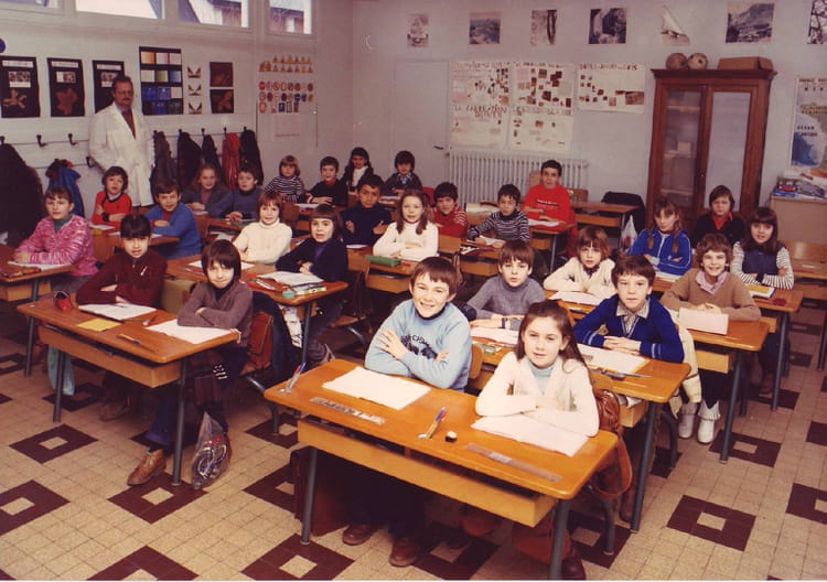 photo de classe cm1 de 1980 ecole jacques monod saint. Black Bedroom Furniture Sets. Home Design Ideas