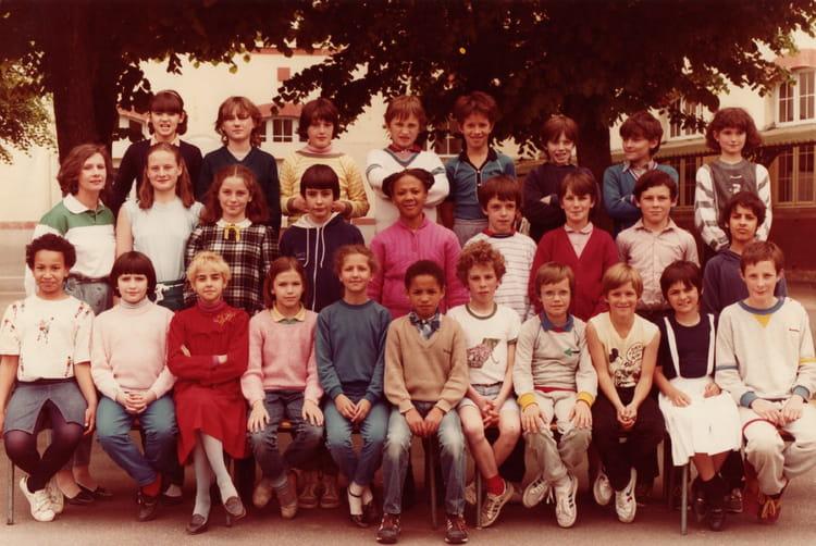 Photo de classe CM2 de 1983, ECOLE PAUL BERT  Copains davant ~ Ecole Paul Bert Bois Colombes