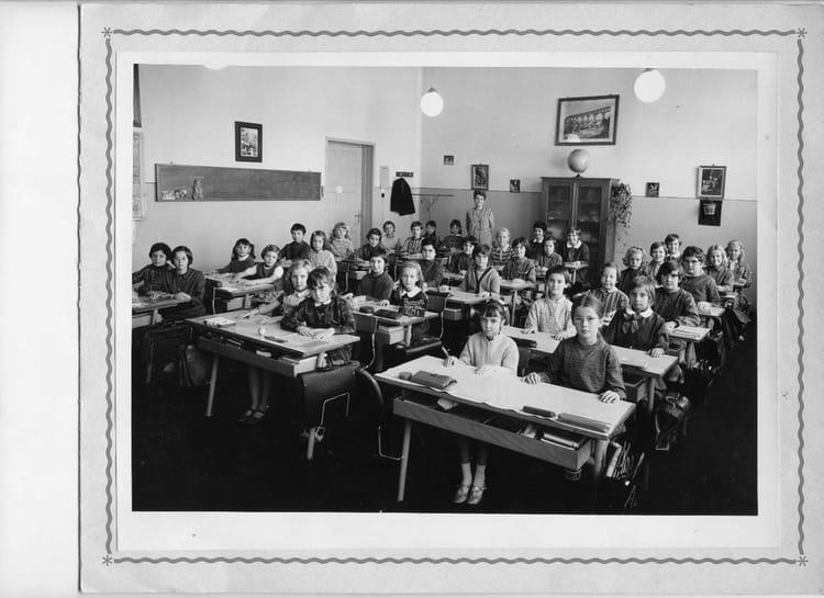 photo de classe cm1 68 69 poincar thionville de 1968 ecole poincare thionville copains d 39 avant. Black Bedroom Furniture Sets. Home Design Ideas