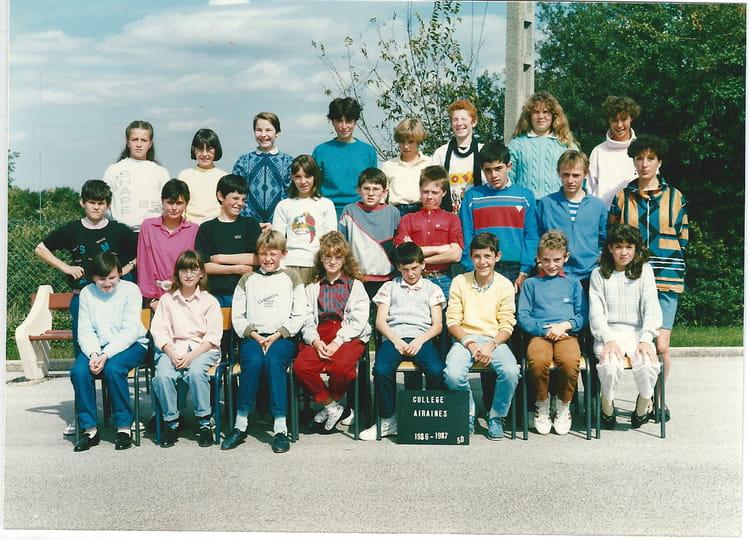 photo de classe 5 me d de 1986 coll ge d 39 airaines copains d 39 avant. Black Bedroom Furniture Sets. Home Design Ideas