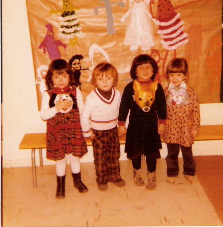 photo de classe maternelle de 1979 les hirondelles copains d 39 avant. Black Bedroom Furniture Sets. Home Design Ideas
