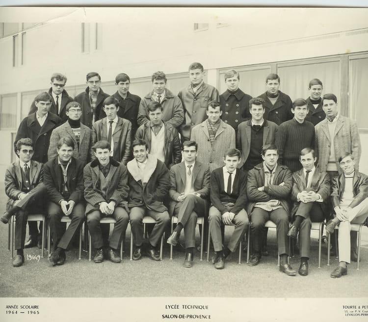 Photo de classe 1 re i de 1965 adam de craponne copains for Lycee craponne salon