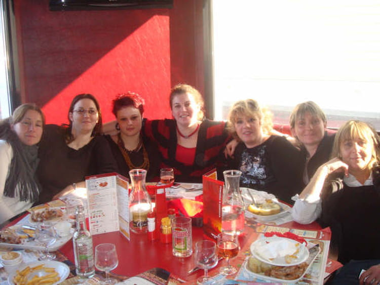 Photo de classe un bon repas entre collegues de 2009 bbgr for Idee repas entre copain