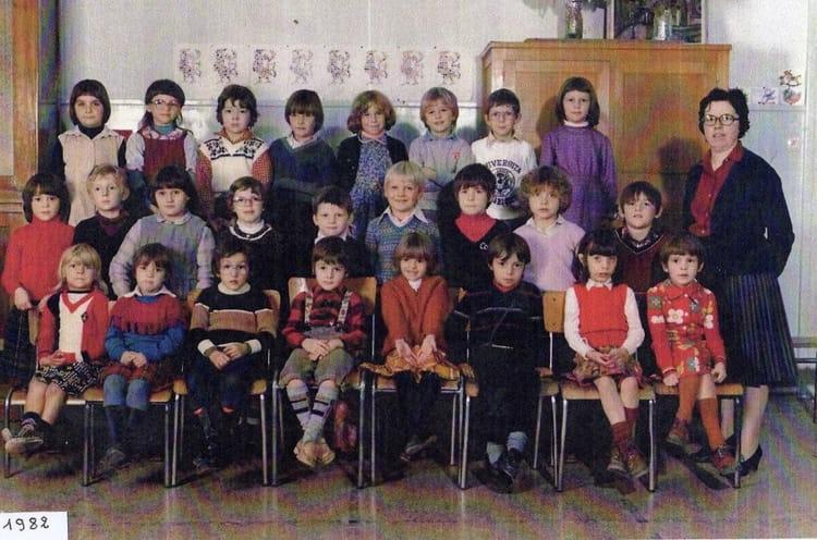 photo de classe cp 1982 mme brelot de 1982 ecole jean mace caudry copains d 39 avant. Black Bedroom Furniture Sets. Home Design Ideas