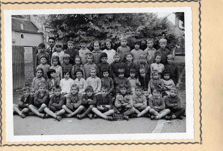 Photo de classe ce1 de 1961 ecole jacques prevert saint for Leclerc st brice courcelles horaires