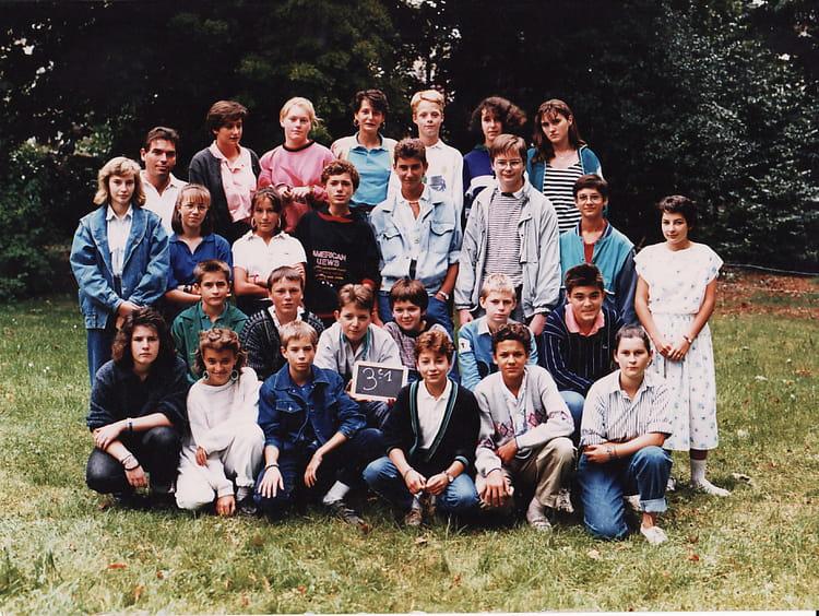 Photo de classe 3ème 1 de 1987, Collège Christ-roi Notre-dame-des ...