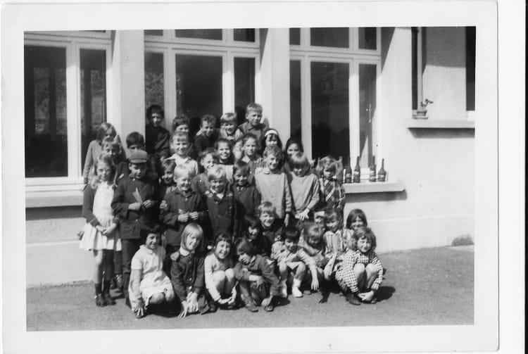 Photo de classe primaire de 1970 ecole primaire moon sur elle copains d - Fauvel moon sur elle ...