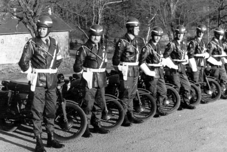 Photo de classe en s jour au camp de la courtine de 1975 for Laporte county state of emergency