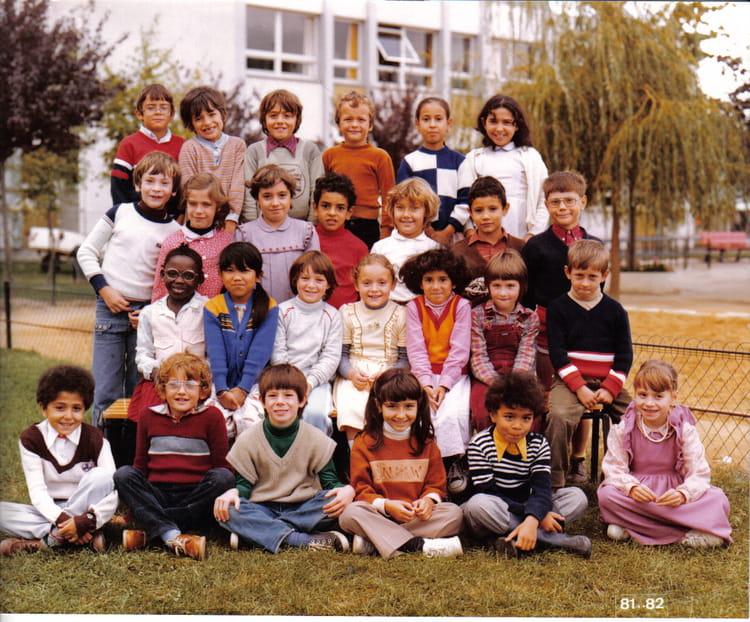 Photo de classe primaire de 1981 ecole jean moulin la for Piscine de la chapelle saint luc