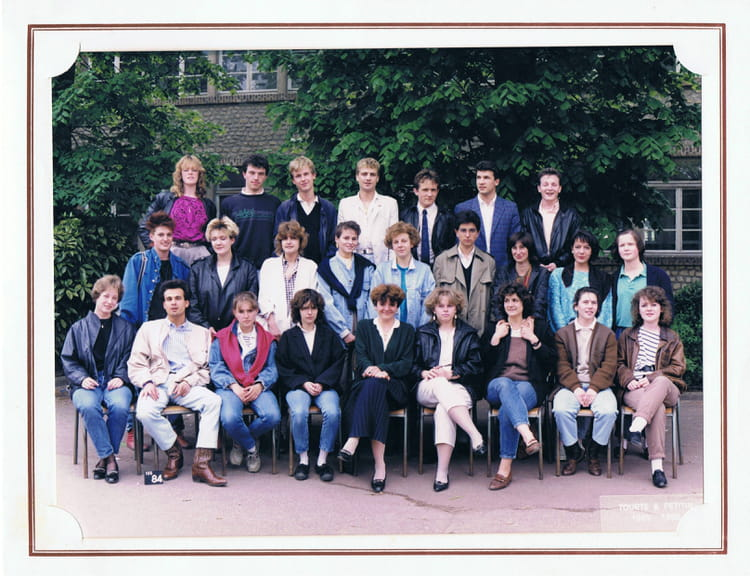 photo de classe bts action commerciale 1 de 1986 lyc e jean baptiste corot le ch teau. Black Bedroom Furniture Sets. Home Design Ideas