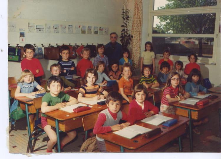 Photo de classe CE2 de 1975, Ecole Saint Louis De Gonzague  ~ St Malo Du Bois