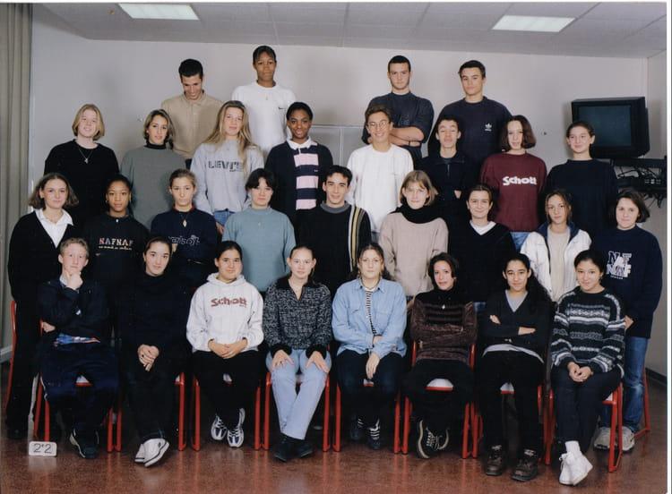 photo de classe seconde 2 de 1997 lyc e albert einstein copains d 39 avant. Black Bedroom Furniture Sets. Home Design Ideas