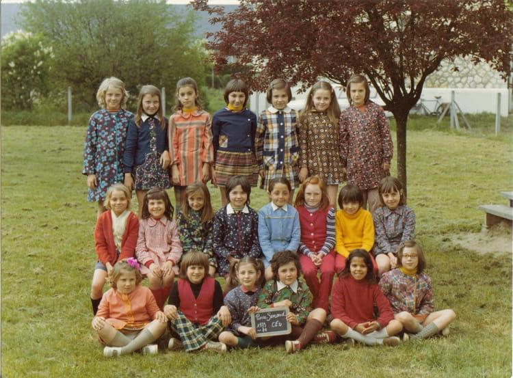 photo de classe ce2 de 1973 ecole sablons semard saint pierre des corps copains d 39 avant. Black Bedroom Furniture Sets. Home Design Ideas