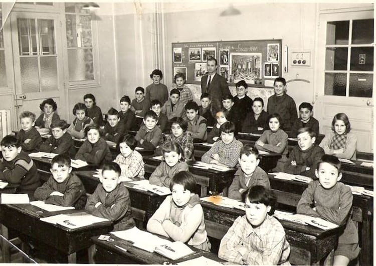 photo de classe ecole de rungis de 1956 ancienne ecole en centre ville copains d 39 avant. Black Bedroom Furniture Sets. Home Design Ideas