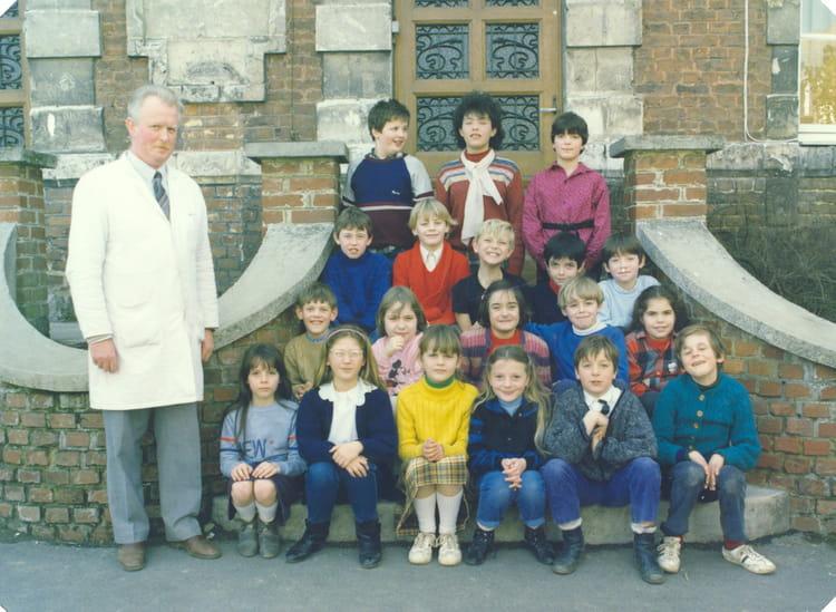 photo de classe cm1 ou cm2 de 1986 ecole primaire aubigny en artois copains d 39 avant. Black Bedroom Furniture Sets. Home Design Ideas