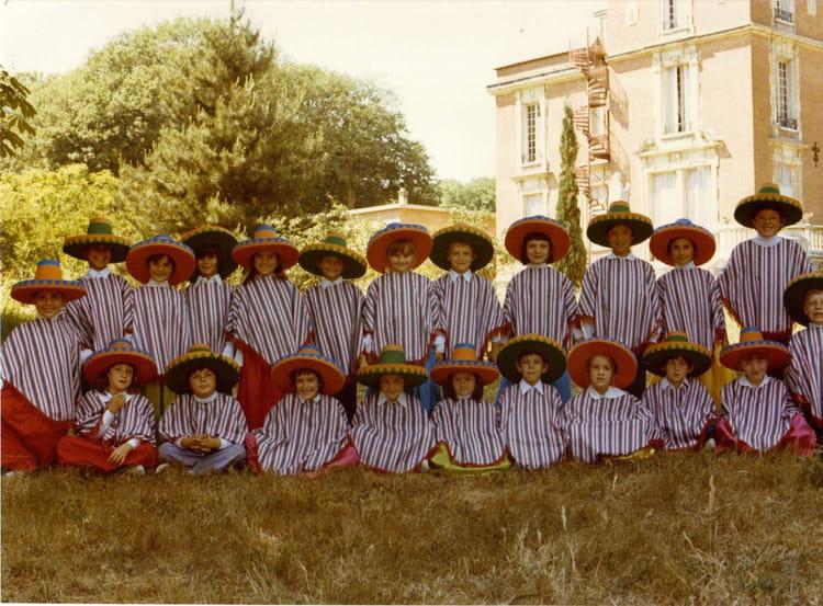 Ecole Notre Dame La Ville Du Bois - Photo de classe CE1 de 1976, Ecole Notre Dame (La Ville Du Bois) Copains d'avant