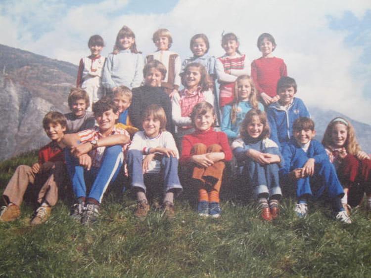 photo de classe cm2 de 1979 ecole les chaudannes saint jean de maurienne copains d 39 avant. Black Bedroom Furniture Sets. Home Design Ideas