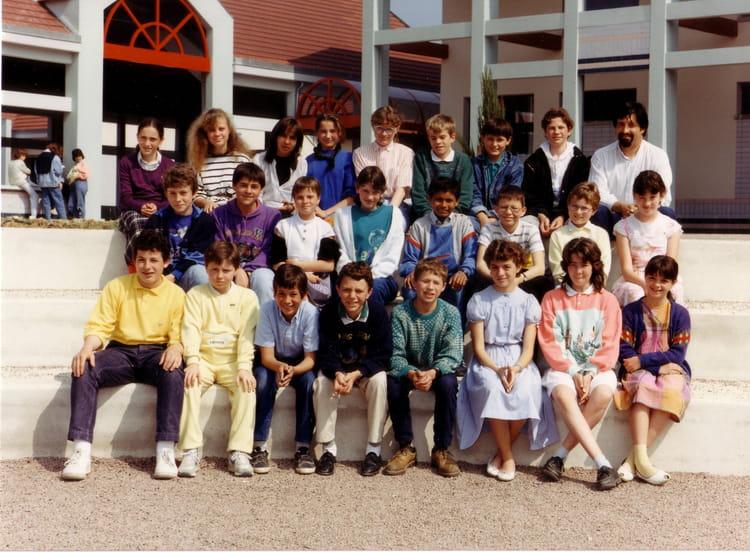 photo de classe 6 me 6 de 1988 coll ge marie no l. Black Bedroom Furniture Sets. Home Design Ideas