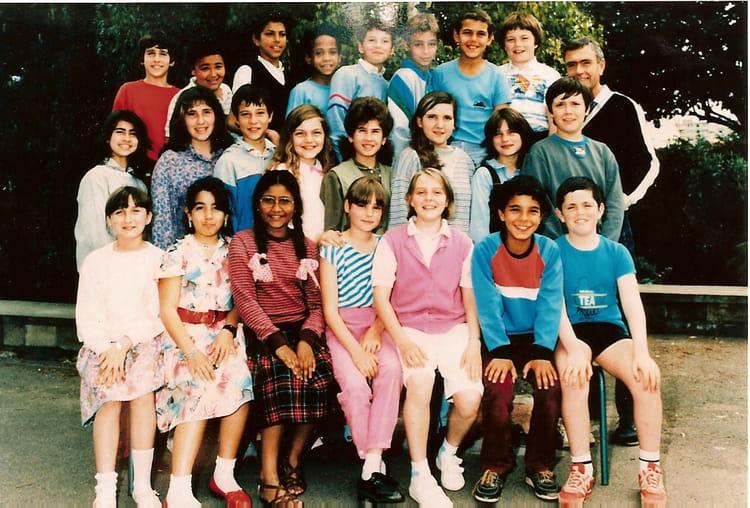 Photo de classe Cm1 cm2 de 1984, Ecole Irène Et Frédéric ... | 750 x 508 jpeg 111kB