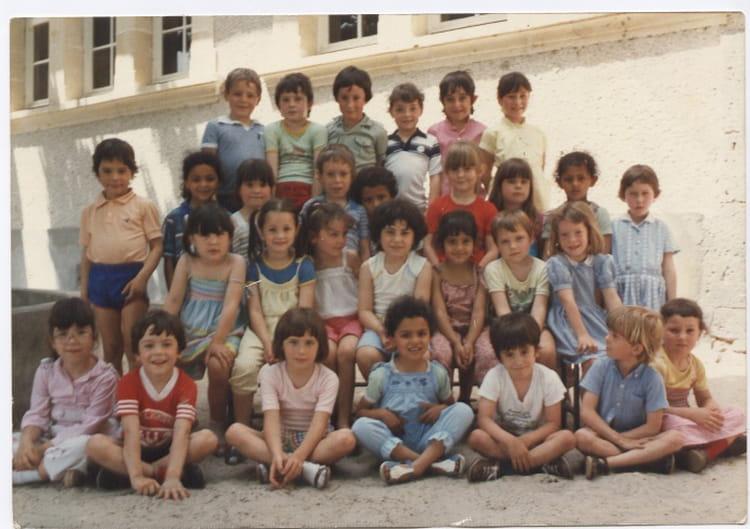photo de classe maternelle port sainte marie de 1984 coll ge delmas de grammont copains d 39 avant. Black Bedroom Furniture Sets. Home Design Ideas
