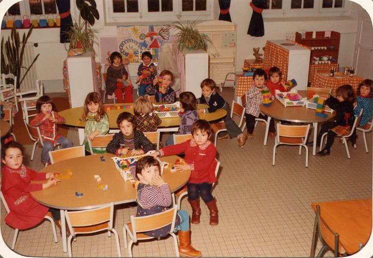 photo de classe maternelle de 1977 ecole la citadelle chalon sur saone copains d 39 avant. Black Bedroom Furniture Sets. Home Design Ideas