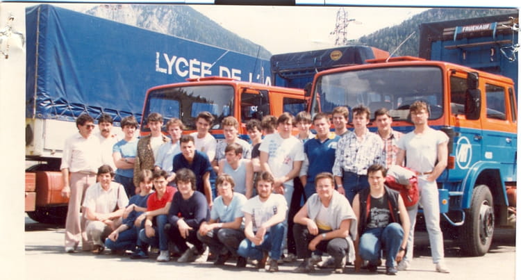photo de classe routier 1er et 2eme ann es de 1985 lyc e professionnel emile b juit copains d. Black Bedroom Furniture Sets. Home Design Ideas