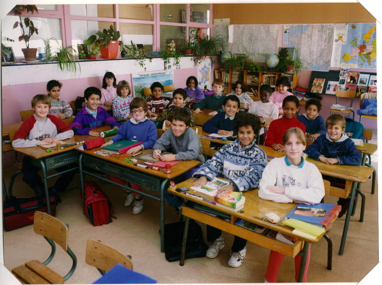 photo de classe cm1 de 1994 ecole montaigu melun copains d 39 avant. Black Bedroom Furniture Sets. Home Design Ideas
