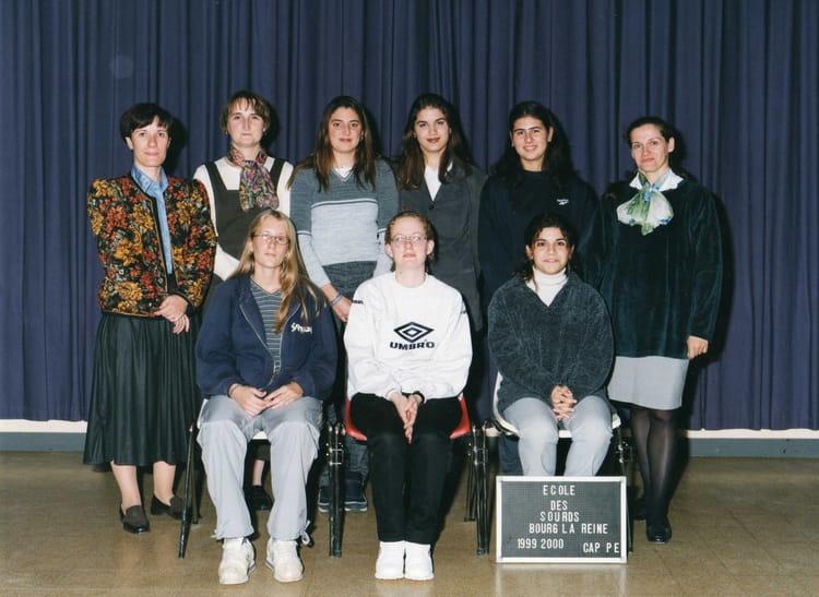 photo de classe ecole des sourds bourg la reine de 1999 institut des jeunes sourds copains d. Black Bedroom Furniture Sets. Home Design Ideas