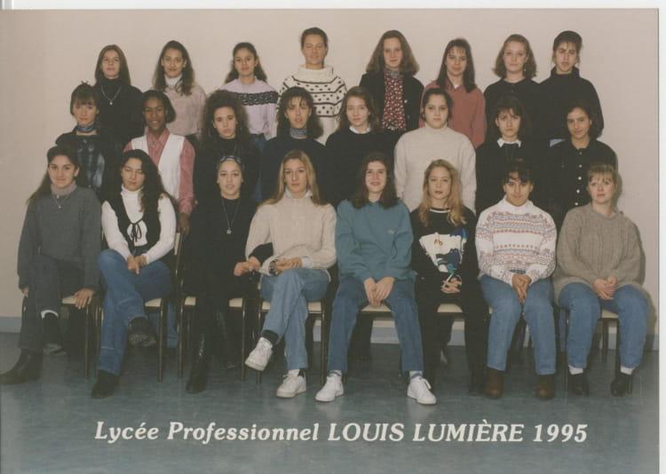 photo de classe 2cas2 de 1995 lyc 233 e professionnel louis lumi 232 re copains d avant