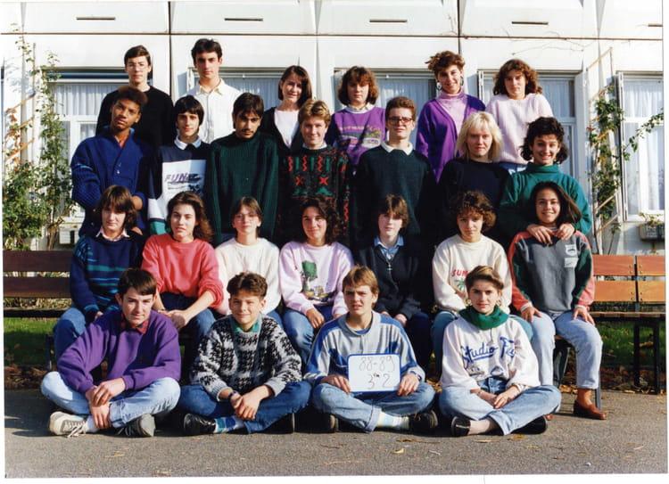 photo de classe 3 2 coll ge jacques pr vert 1988 1989 st jean le blanc de 1989 coll ge jacques. Black Bedroom Furniture Sets. Home Design Ideas