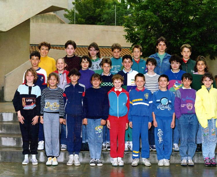 Photo de classe 6 eme b de 1989 coll ge la pr sentation for Auto ecole salon de provence