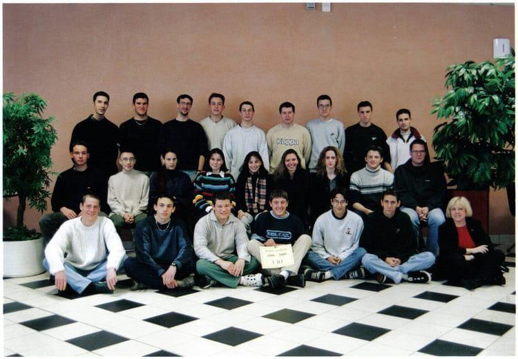Photo de classe bac pro transport 99 00 de 2000 lyc e for Programme bac pro cuisine
