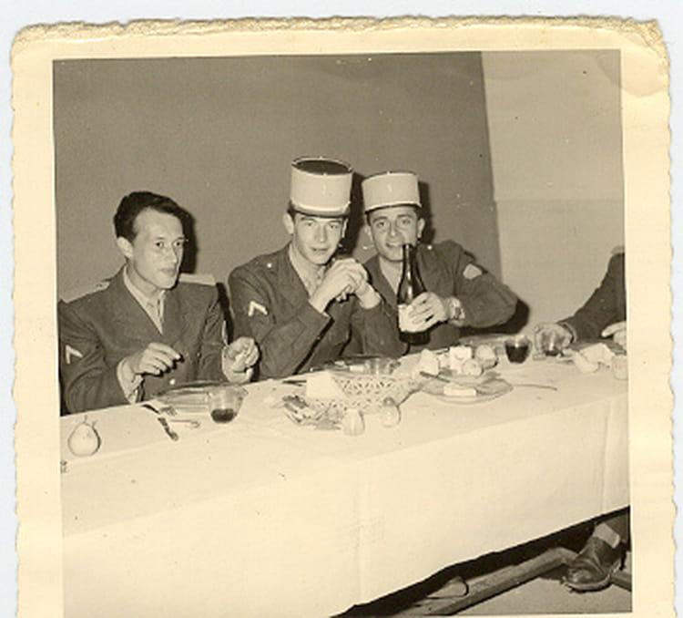 Photo de classe repas entre s officiers de 1962 cism n 1 for Idee repas entre copain