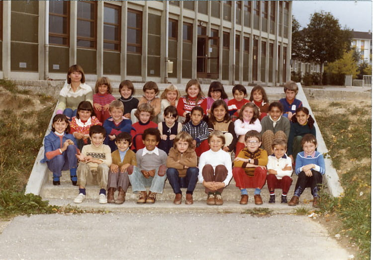 Photo de classe ce1 de 1980 ecole le jura saint genis - Office du tourisme saint genis pouilly ...
